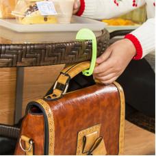 Брелок - крючок для сумок Creative bag hanger
